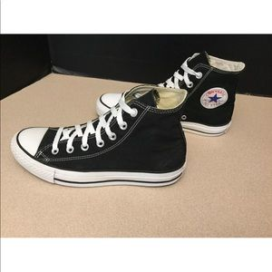 Converse Shoes - Womens Converse Chuck Taylor All Star Shoes. SZ 8